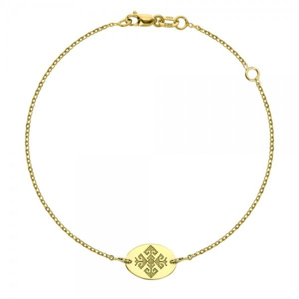 Bratara aur cu motiv traditional